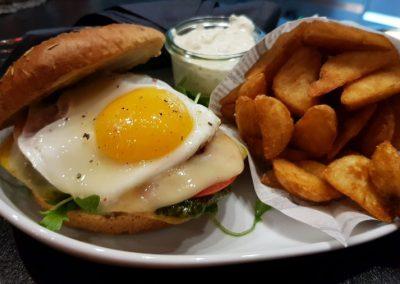 Billard Café Schönefeld Burger Bar in Leipzig